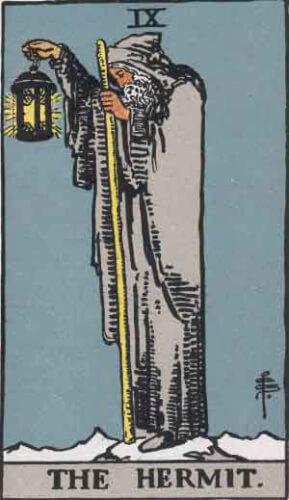 『隠者』大アルカナ9番。「深慮・忠告を受ける・崩壊」を意味するタロットカード。