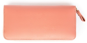 ピンク色の長財布
