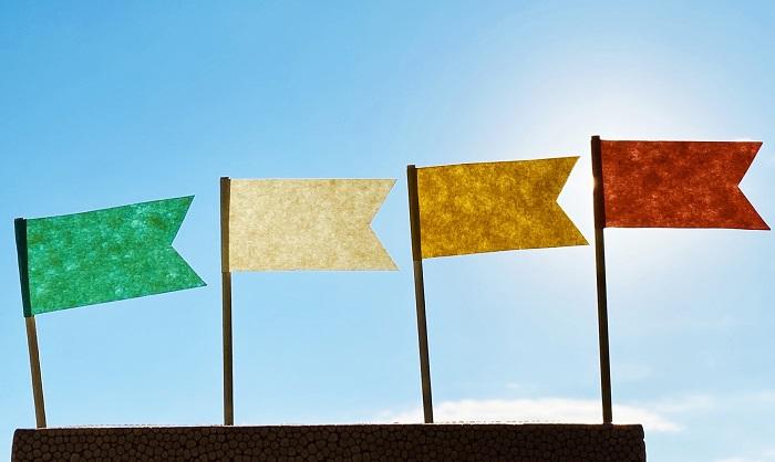 カラフルな4つの旗